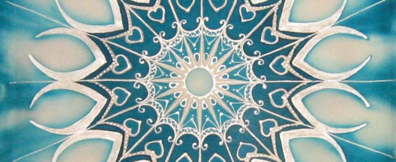 Mandalafestés selyemre, párna, részlet