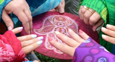 Piliscsév alkotótábor selyemfestés
