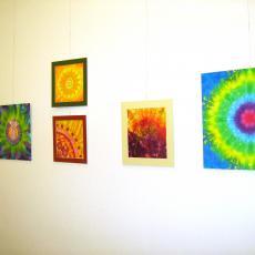 Éves selyemfestés tanfolyam kiállítás